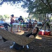 In de hangmat bij de rivier