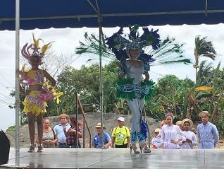 Optreden bij aankomst in Las Mañanitas