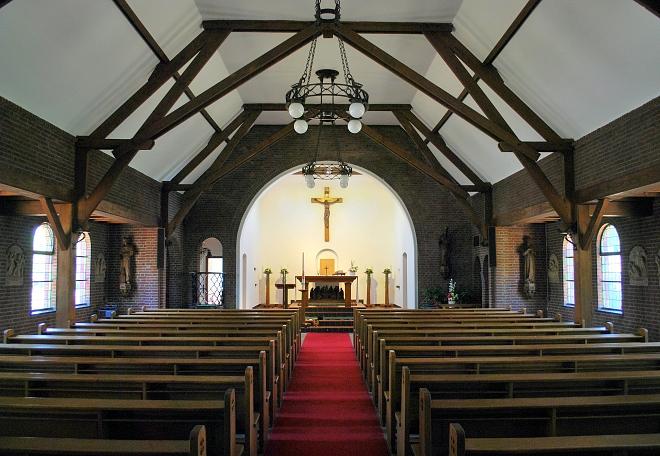 Interieur kerk na renovatie