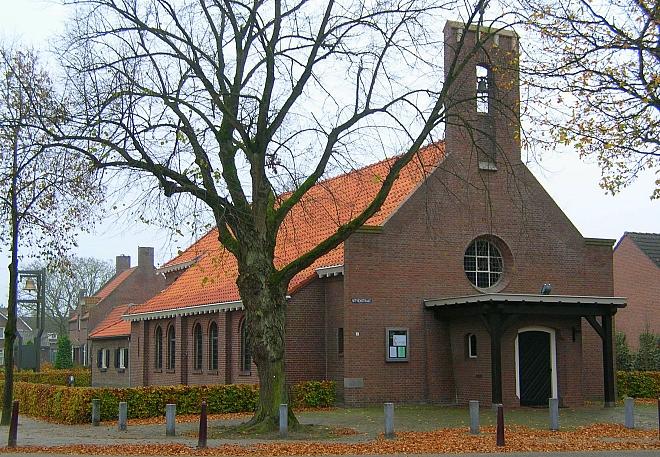 Kerk Haghorst met portaal