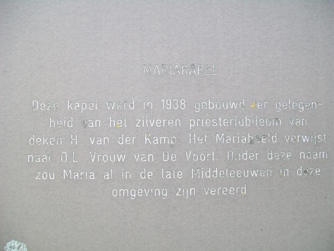Gedenkplaat pastoor Van der Kamp